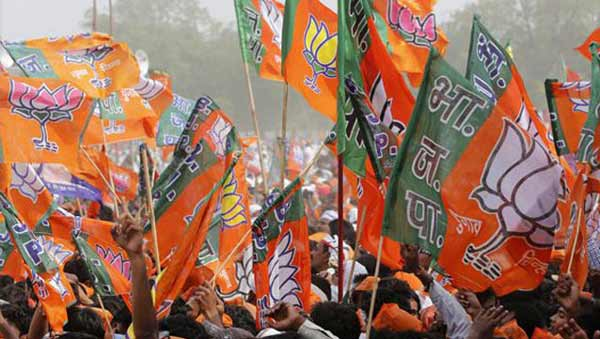 3 Crore cash seized from BJP leader's car in Ghaziabad