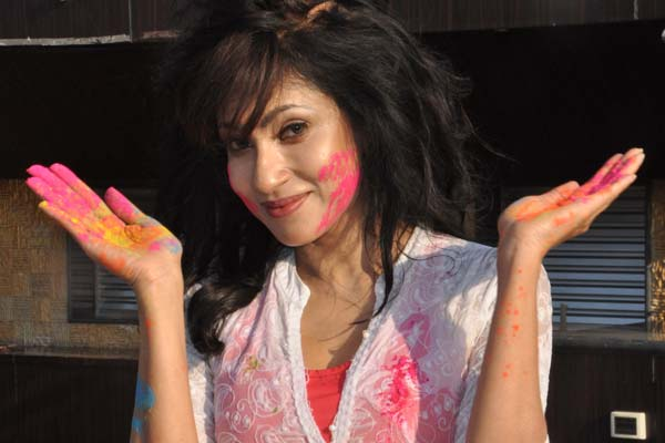 Marisa Verma, Chandi and Ekta Jain celebrated Holi at Club Millenium