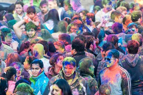 Hindu Temple of Greater Chicago celebrates colorful Holi