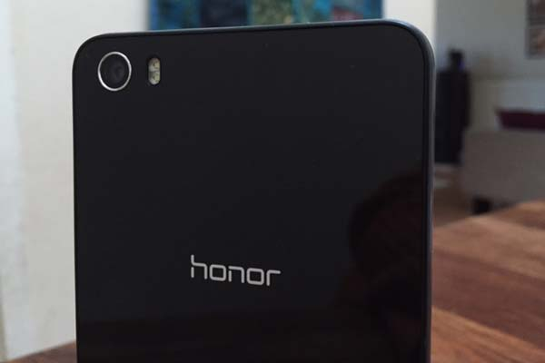 Honor launches it's flagship smartphone Honor 7 along with Honor Z1 Band in India