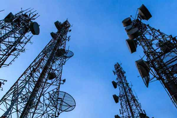 Telcos earning Rs 250 crore a day thanks to Call Drops; but not investing to improve services: TRAI