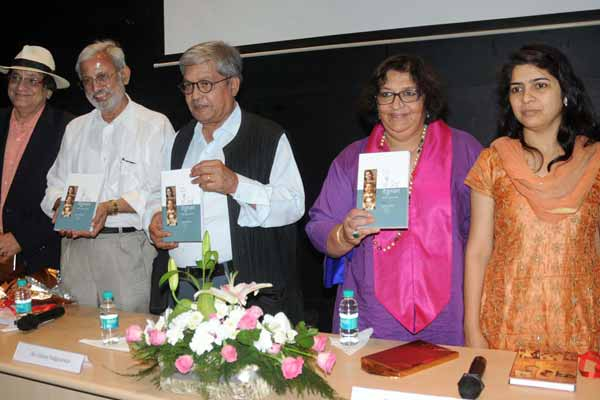 "Laxmi Tendulkar Dhaul releases ""Ayi Tendulkar – Two nations, three lives""  the Marathi Edition"