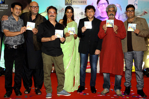 Vinay Pathak, Mugdha Godse came to launch their audio of film Kaagaz ke Fools