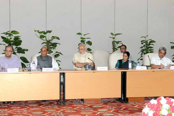 Modi chairs follow-up meeting to review situation following earthquake in Nepal