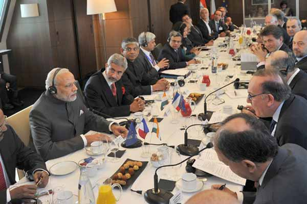 Modi meets top French business leaders
