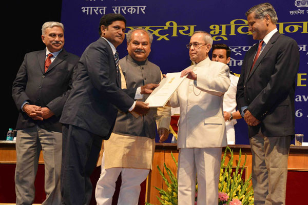President of India presents National Geoscience Awards-2013
