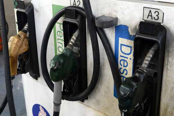 Steps to Check Quality of Petroleum Products at Petrol Pumps