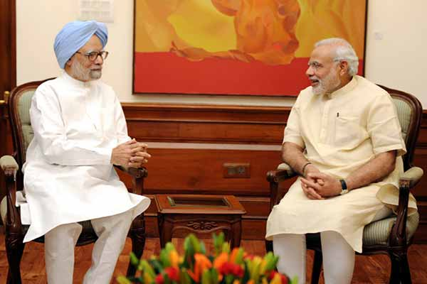 Modi, Manmohan meet at Race Course residence despite attacks on each other