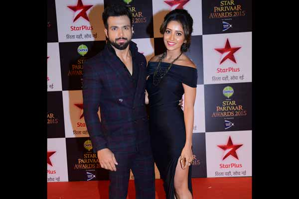 Rithwik Dhanjani crashes a drone at Star Parivaar Awards 2015!