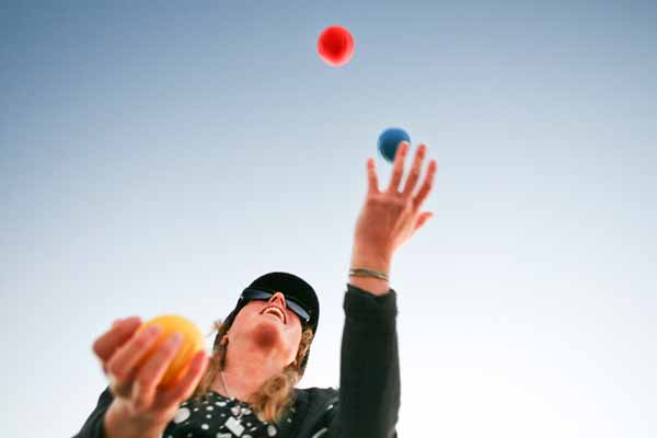 Learn the art of Juggling at Amanora Town Centre