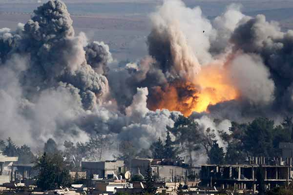 Air strikes against IS in Iraq; 28 Killed in clashes
