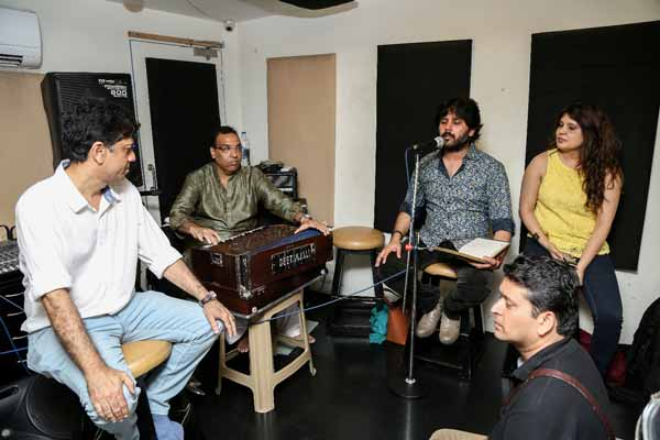 "Pioneers under one roof! Javed Ali, Shaan & Babul Supriyo rehearsing for ""Rehmatein 2"