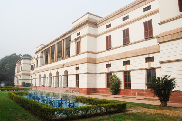 Mahesh tenders his resignation as Nehru Museum Chief