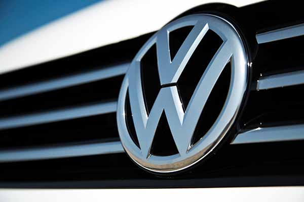 Volkswagen to halt sales of VW, Audi diesel cars in US