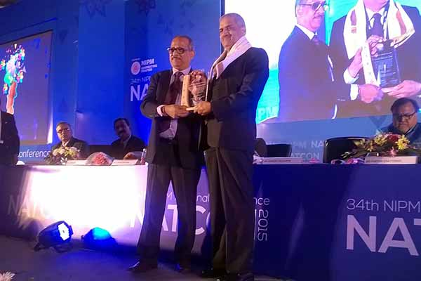 """Fellowship Award 2015"" conferred upon Dr. S.V. Bhave, Senior VP – HR, IR & Admin, Bharat Forge"