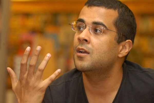 Chetan Bhagat provoke and appease both liberals and bhakts
