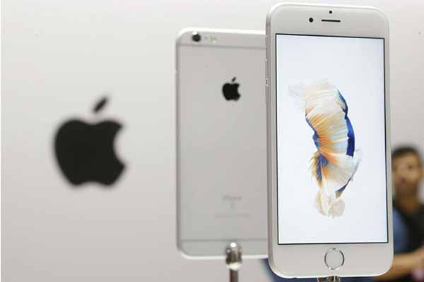 'Impossible' to unlock new iPhones; Apple tells US judge
