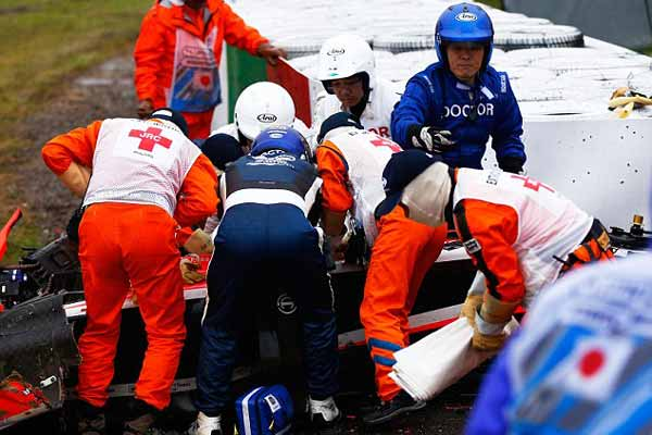 F1 driver Sainz in hospital after accident during final practice