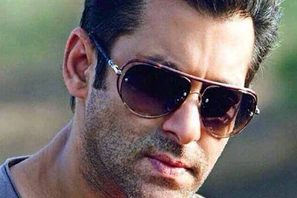Salman's 'special treat' for fans on his B'Day