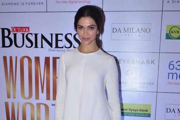 Deepika Padukone's classiest look in Pants!