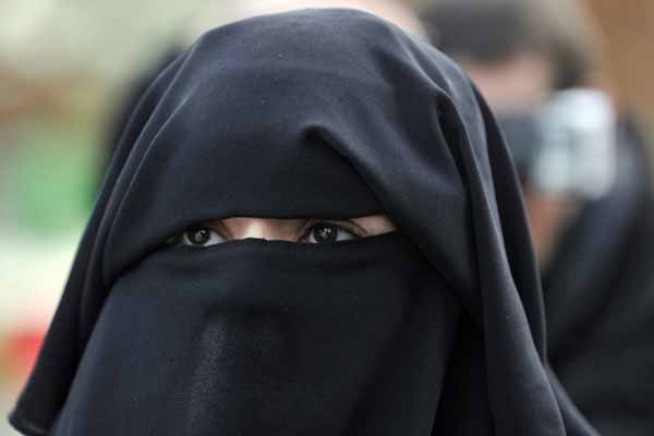 Canada ends legal fight to ban Niqab