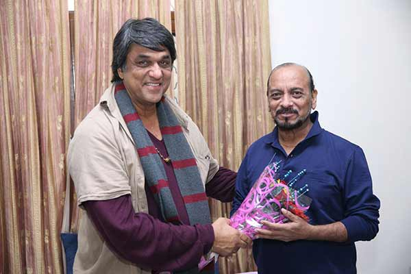 Mukesh Khanna reaches Rohtak to visit Actor Rajesh Bakshi