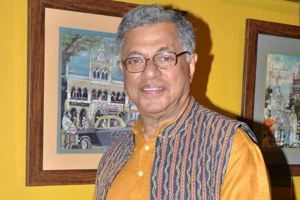 Girish Karnad stirs row by asking Tipu's name for Bengaluru airport