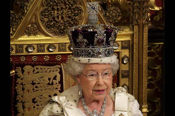 Koh-i-noor diamond: Queen may face legal challenge