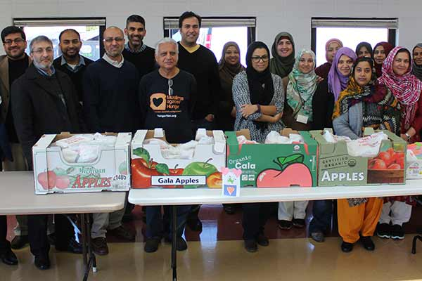 Students of ICN Al-Falah Academy participate in feed the needy project