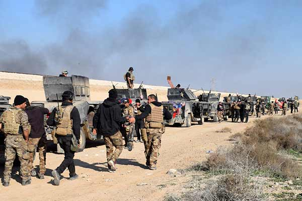 Iraqi forces in fierce battles with IS in city of Ramadi