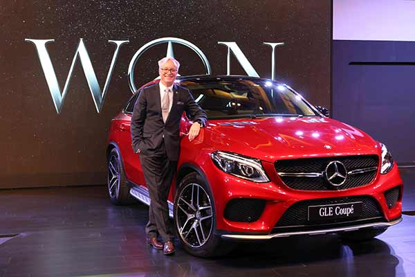 Mercedes-Benz launches its first ever SUV Coupé – drives in the dynamic, sporty and versatile GLE 450 AMG Coupé