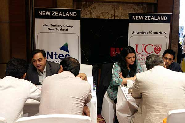 IDP Education organized Study Abroad Education Fair – UK, USA, Canada and New Zealand universities met students in Gurgaon