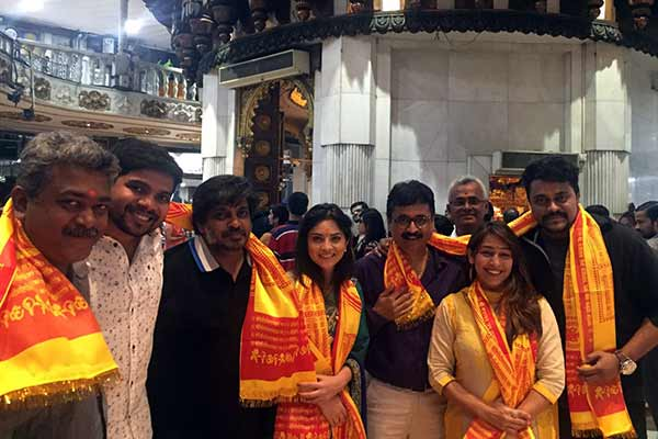 Poshter Girl team at Siddhivinayak