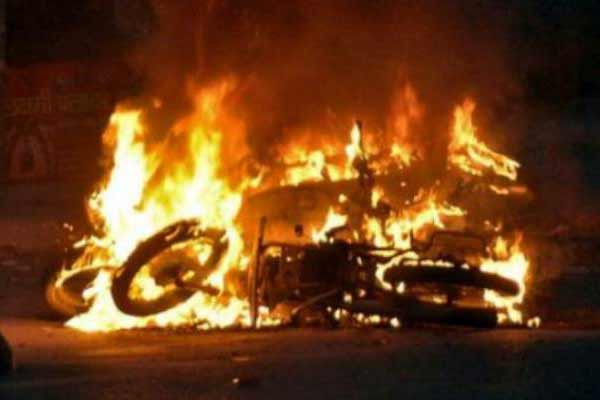 Jat row: Death toll rises to six as Haryana burns and violence continues; CM Khattar 'accepts' protesters' demand