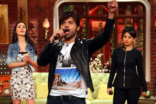 Himesh Reshammiya went to Comedy Night Live to promote his film Tera Suroor with singer Sunidhi Chauhan and actress Farah Karimi