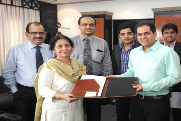 IDBI Bank signs MoU with OLA