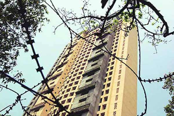 Bombay HC orders demolition of Adarsh Housing Society
