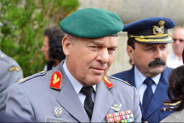 Gay soldiers remark: Portugal military chief resigns