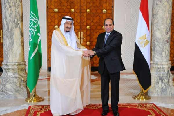 King Salman announces Saudi-Egypt bridge in Cairo visit
