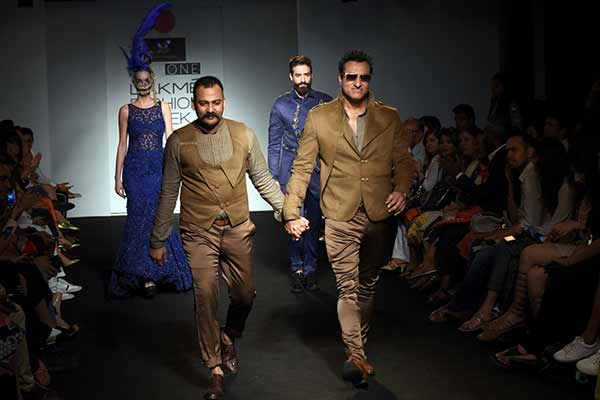"Designer Lalit Dalmia showcased his exclusive collection ""Unexplored Poised"" at Lakme Fashion Week 2016"