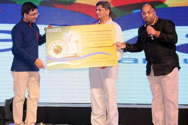 IT Company Sears India donates Nd:YAG LASER Unit to Sassoon Hospital's Ophthalmology department on occasion of Sears India's 6th Annual Rewards & Recognition Night