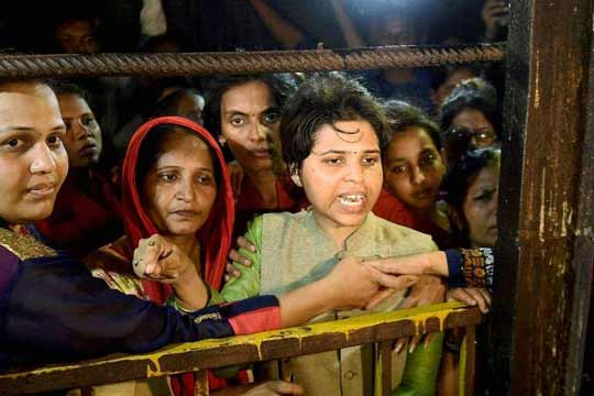 First woman Qazi of UP to Trupti Desai: Forcibly entering a temple or mosque is wrong