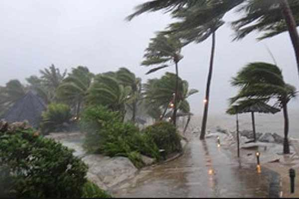4.11 lakh people affected due to 'Roanu' cyclone
