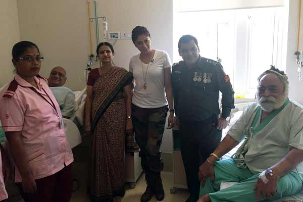 Dr Bhanumati Bhinn aka Kavita Kaushik spreads some cheers amongst patients!