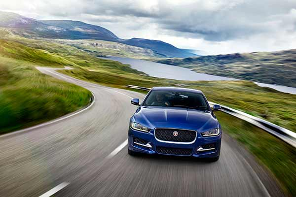 Jaguar strengthens the XE range in India - launches the aspiring 'Prestige' derivative