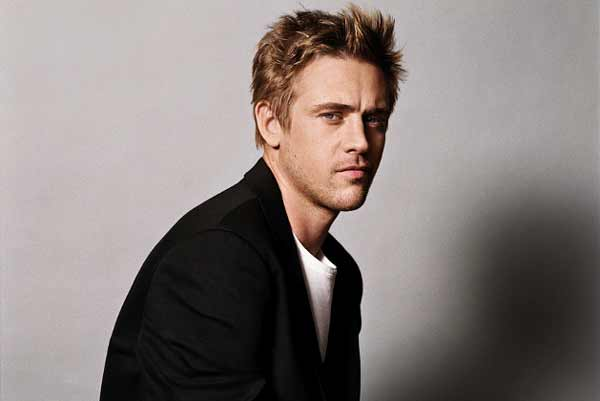 Interview of Boyd Holbrook, Lead Actor of 'The Predator'.It will release in India on 13th September, 1 day before of USA.