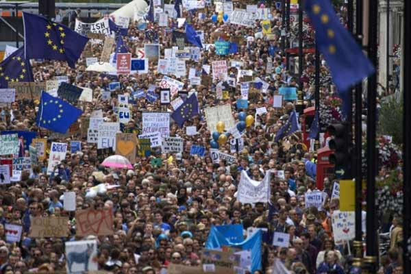 Thousands march against Brexit in London