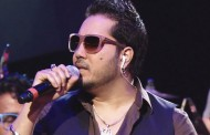 Mika Singh has us chanting with Northern Warriors anthem