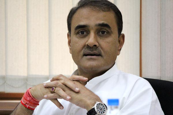 Fadnavis government shielding Khadse: NCP leader Praful Patel