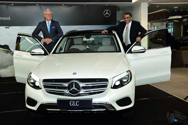 Mercedes-Benz ups the ante in luxury motoring, inaugurates the largest luxury car dealership in Vidarbha